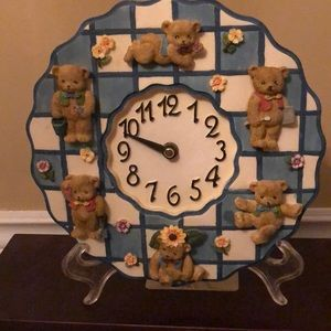 Other - Teddy Bear Resin wall clock 8 inches diameter